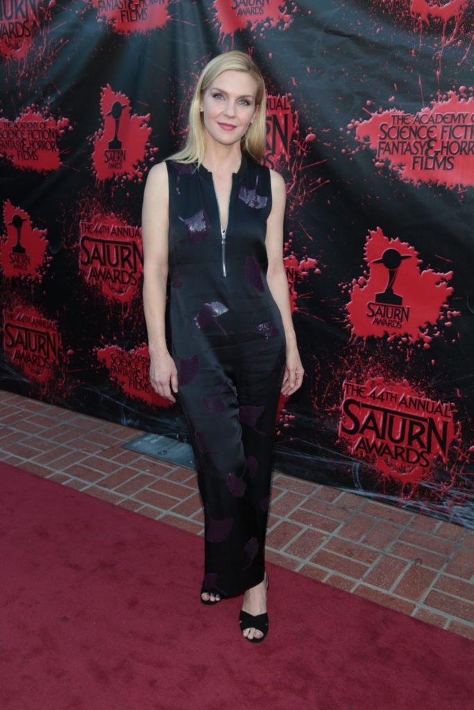 Rhea Seehorn In leggings Photos