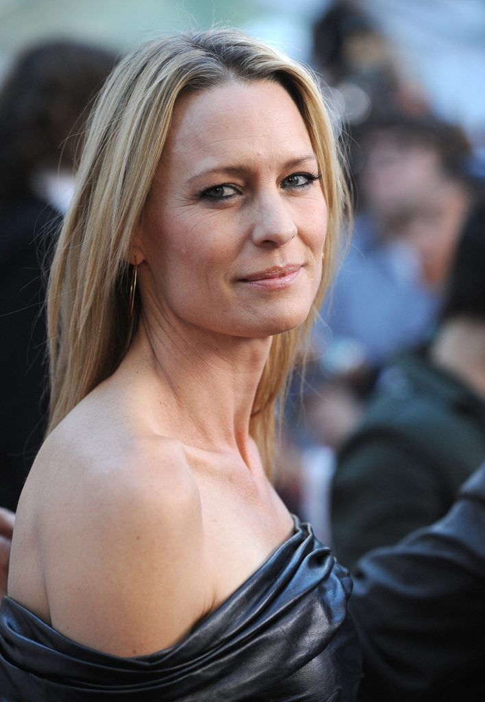 Robin Wright In Backless Pictures