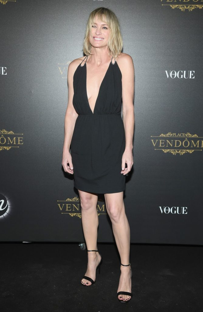 Robin Wright In Shorts Pictures