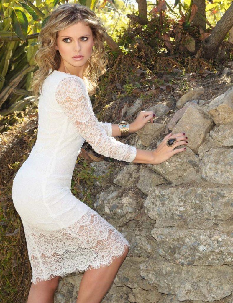 Rose McIver Hot Photoshoot