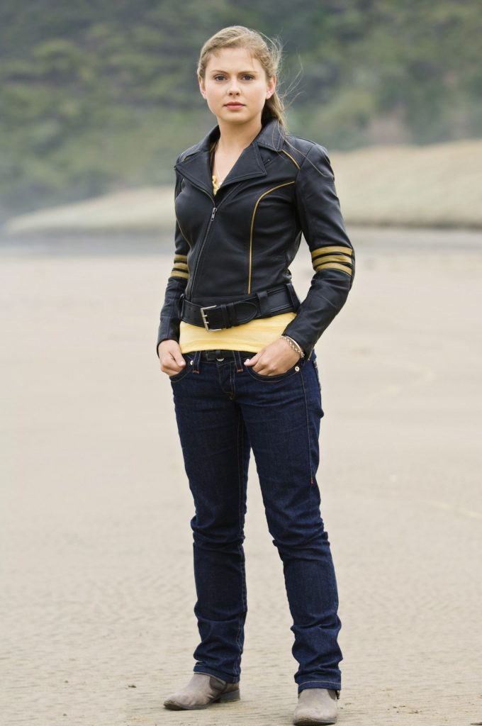 Rose McIver In Jeans Pictures