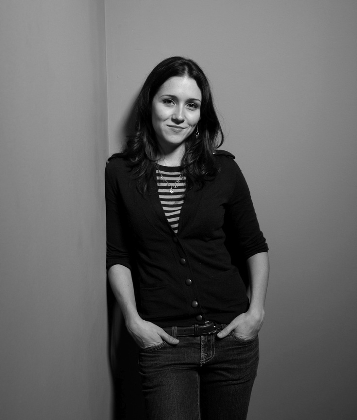 Shannon Woodward Images Gallery