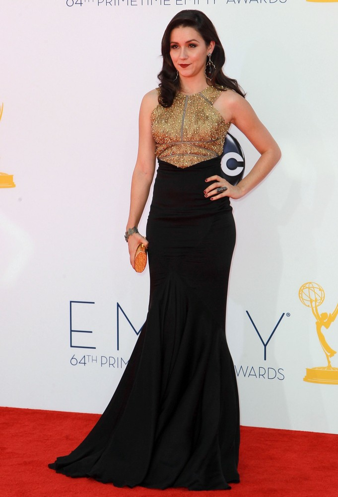 Shannon Woodward In Gown Pics