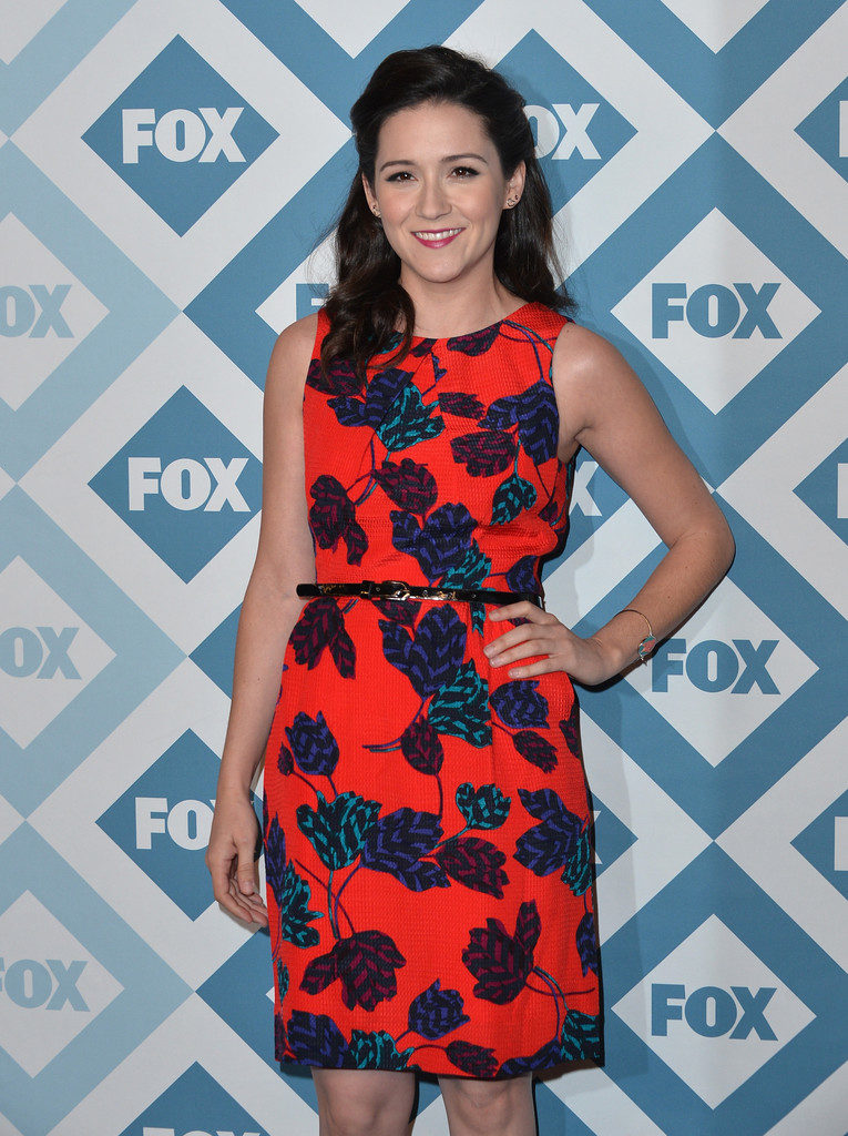 Shannon Woodward Muscles Wallpapers
