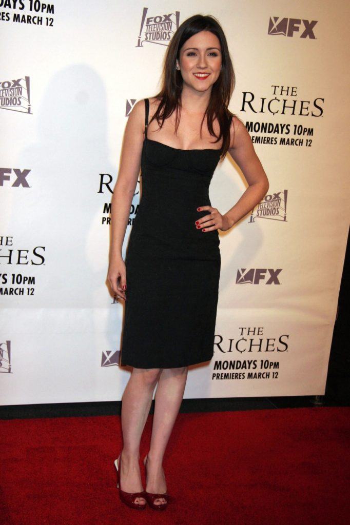 Shannon Woodward Sexy Images