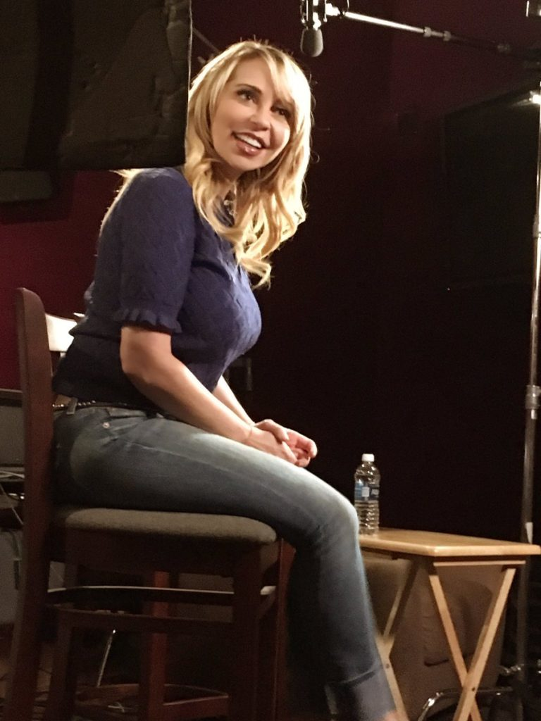 Tara Strong Jeans Photos