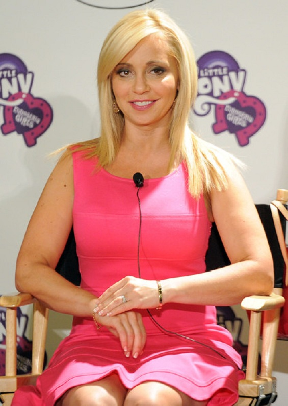 Tara Strong Thighs Pics